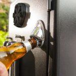 AFFUMICATORE VERTICALE A GAS BROIL KING, PARTICOLARE DELL' APRIBOTTIGLIE
