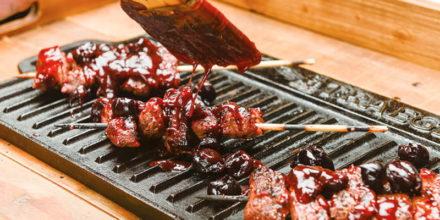 Spiedini di Flank Steak in salsa cherry – Ricetta Traeger