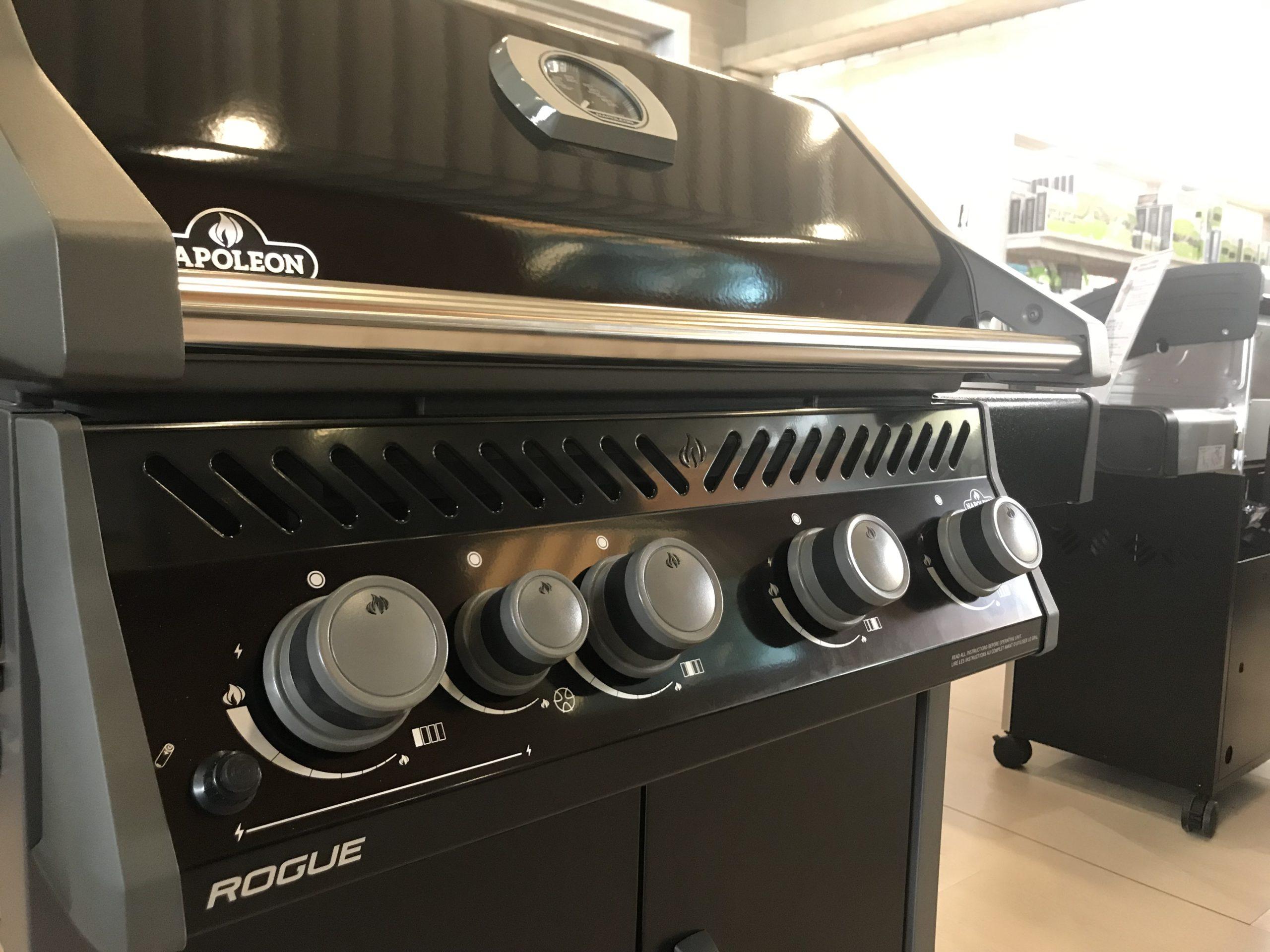 barbecue napoleon R525SB liveoakbbq